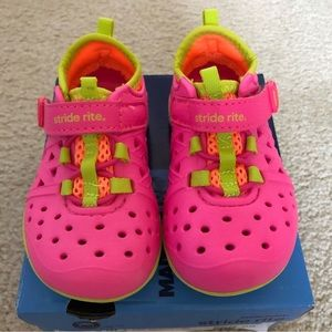 Stride Rite Made 2 Play Shoes - Size 5